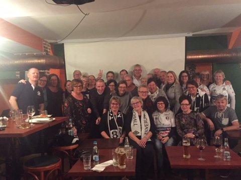 SKUFFET, MEN FATTET: Taiga'n er på plass i Romania for å følge sine helter i Elverum Håndball søndag. Lørdag kveld fulgte de Gorenje Velenje og Kadetten Schaffhausen på en lokal pub.