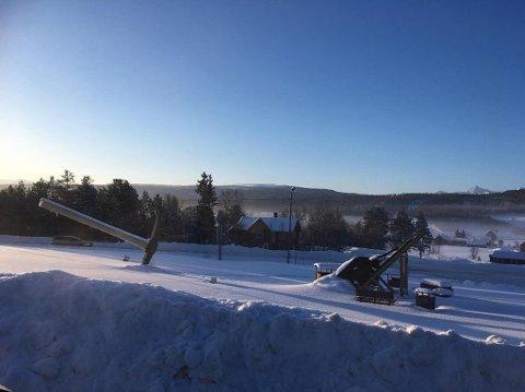 KALDT I ØSTERDALEN: 27,4 minusgrader viste gradestokken på Målestasjonen i Folldal i Østerdalen torsdag, men på nyåret i år, da dette bildet ble tatt, var det langt kaldere. Da var laveste temperatur 42 minus! Foto: Christian Solberg, Arbeidets Rett