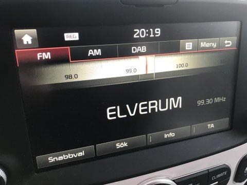 Frp tar til orde for at ledige FM-frekvenser må kunne brukes av lokalradio også etter at konsesjonen løper ut i 2021. I Hedmark er lokalradio nå større enn riksradio. Det viser ferske lyttertall. Foto: Kjetil Brorson Dahl