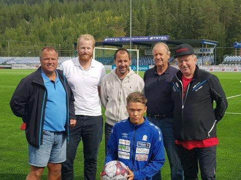 INNVIET BANEN I NYBERGSUND: Fra venstre: Ola Brenden, Marius Uhlseth, Jan-Eric Skøld, Per Lauritz Hanstad, Svein Skarpmo,  Foran: Isak Løvlund