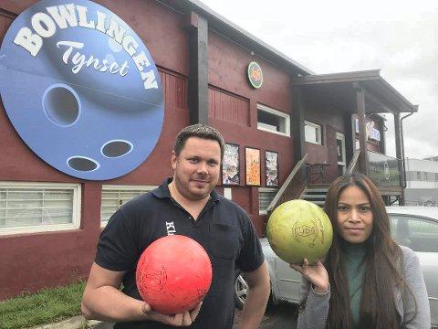SNART SOLGT?: Per Johansen og kona Sukanya Timonrum håper at salget av Jafs Tynset Bowling er i boks inneværende måned.
