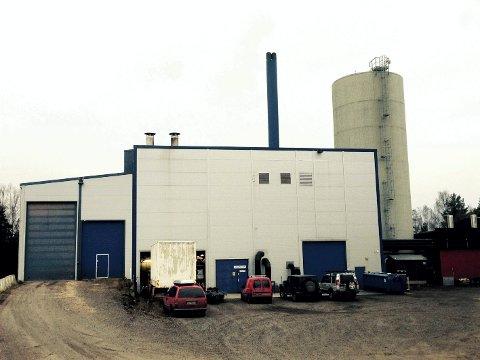 FJERNVARME: Eidsiva Bioenergi innfører pristak på fjernvarme. Her representert ved fjernvarmeanlegget på Vestad i Elverum. Foto: Anita Høiby Gotehus