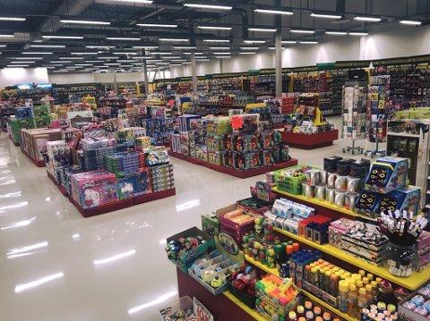 NY BUTIKK: I januar ble det kjent at BR-leker skulle legge ned butikken i Thon-senteret i Charlottenberg. Nå har en ny, stor lekebutikk åpnet dørene.