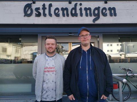 PÅ BESØK: Emil Brotangen og Even Bjørke fra Løkkapodden gjester FotballHedmark denne uka.