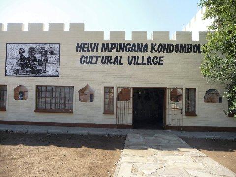FRILUFTSMUSEUM: Friluftsmuseet i Tsumeb er inspirert av Glomdalsmuseet.