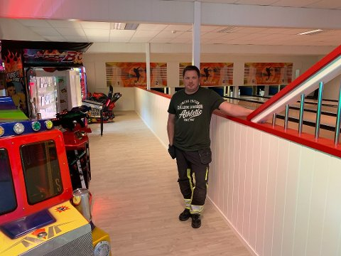 FLERE MULIGHETER: Per Joansen har fått på plass en spillehall ved siden av Bowlingen i de gamle lokalene til vaskeriet på Tynset. Foto: Trond Findahl
