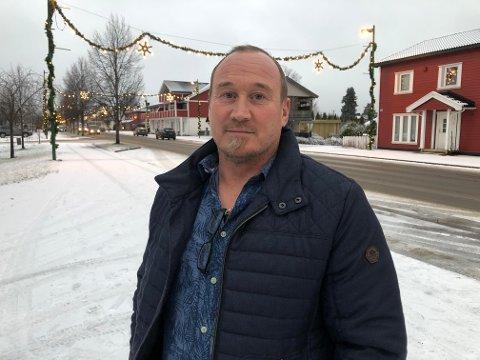 ENGLEVAKT: Rask reaksjonsevne reddet trolig livet til Jan Bjerktun. Han er mannen som ble forsøkt knivdrept på Flisa i februar.