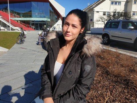Ettertraktet: Lea Vik er ikke redd for å vise seg fram, både med og uten klær. Det har ført til tilbud om alt fra å bli stroppet fast og kilt til å delta i pornofilm