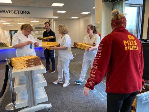 GRATIS PIZZA: Til stor glede for de ansatte ved sjukehuset påskeaften.