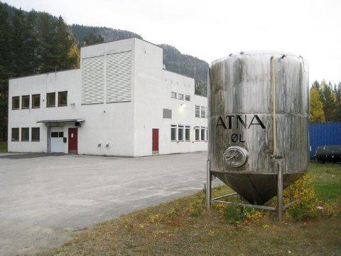 TAKK OG FARVEL: Atna Øl sier takk og farvel til Atna og flytter ut av lokalene for godt.
