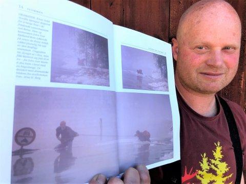 """DRAMATISK: For 25 år siden ble Knut Arild Nordli fra Rena tatt av flommen i Glomma og på dramatisk vis overlevde han de frådende vannmassene. Her viser han bilder av egne opplever fra boken """"Flommen"""" av Kristian Skullerud som ble gitt ut som den første flomboken etter Vesleofsen i 1995."""