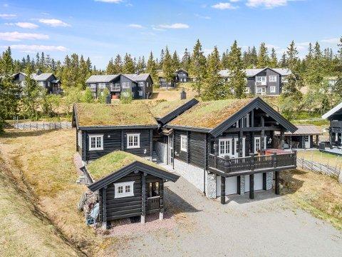 10,9 MILLIONER: Denne hytta på Fageråsen i Trysilfjellet er til salgs for 10,9 millioner kroner.