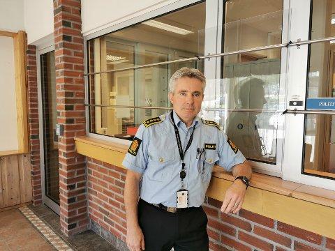 FORNYELSE: Tom Johnsen på Elverum politistasjon er leder for driftsenhet Innlandet. Han sier at politiet følger med, og er forberedt om grensetrafikken skulle øke.