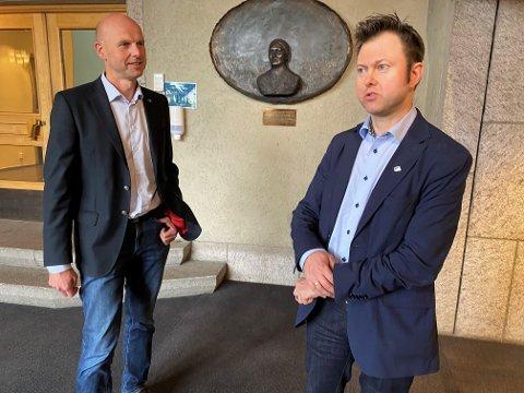 KLAR VINNER: Yngve Sætre (til høyre) er klar vinner i Elverum Høyre i kampen om å bli ny stortingsreresentant. Joakim Ekseth gir likevel ikke opp håpet om å bli toppkandidat for Hedmark Høyre.