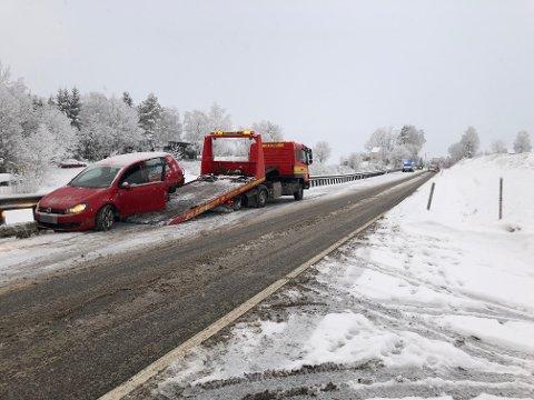 Mandag for en uke siden  smalt det mellom en personbil og en tjenestebil fra politihøgskolen i Kongsvinger.