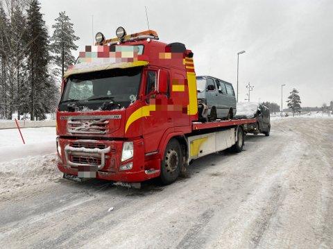 STOPPET: Denne transporten ble stoppet i Elverum onsdag.
