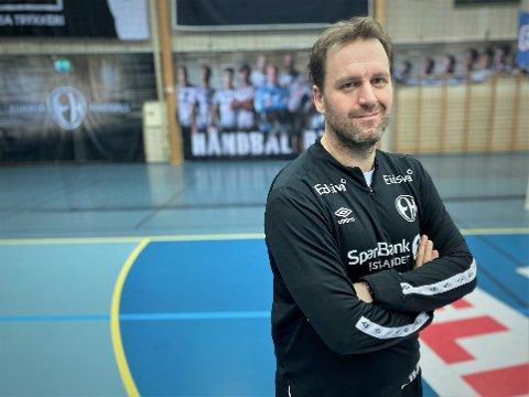 LANG ERFARING: Raymond Hamar har vært i Elverum-systemet i 11 år, de siste seks med A-laget. Han har vært med på det meste som har skjedd i klubben i nyere tid. Og han er klar på at tidene vi er inne i akkurat nå, er den mest spesielle så langt.