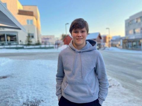 ADRENALINKICK: – Jeg får skikkelig adrenalinkick under skodropp. Det kan være en gullgruve hvis man får tak i riktig sko, forteller 16-åringen Oliver Ulvebne.