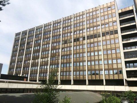 Kommunen har koblet inn kriseteamet etter at en ansatt ved sykehuset på Lillehammer døde, søndag.