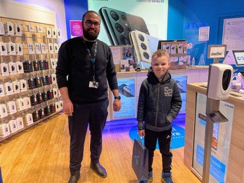 Telenorbutikken på Kongssenteret ønsket og gi Sander en ny mobiltelefon, ettersom at en 9-åring ikke skal oppleve noe sånt.
