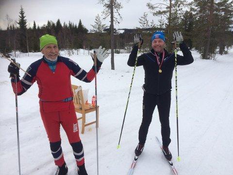 I MÅL: Jan Storsveen (til venstre) og Harald Nyberg kan slippe jubelen løs etter å ha gjennomført Vasaloppet - i Tørberget.
