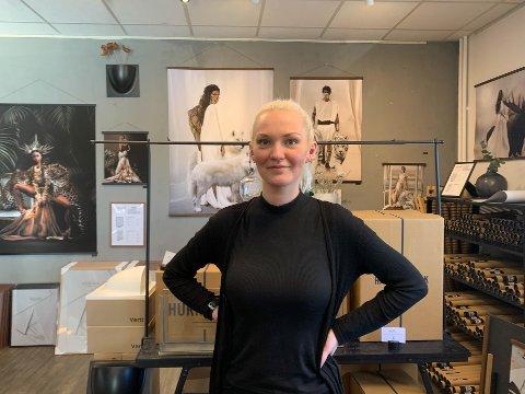 GLAD: – Jeg ble så glad for at jeg får jobbe her, sier Agnes Elise Mørkhagen.