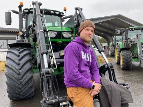 SKUFFET: Leder i Åmot bondelag, Jonas Ruud-Lund med sterke anklager mot Høyres ordfører i Åmot, Ole Erik Hørstad for å være den eneste ordføreren i Østerdalen som ikke støtter bondeopprøret.