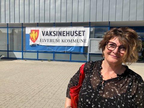 PRIORITERES: Nå skal ansatte i skole og barnehager prioriteres i vaksinekøen. For lærer Brit-Turid Wasa Aarstad i Elverum kom avgjørelsen for sent.