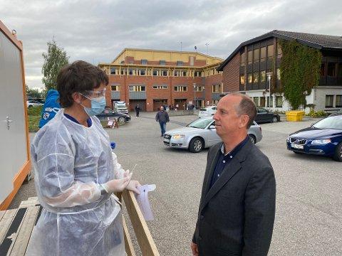 SA NEI: Kommuneoverlege Ole Lohmann mente det var uforsvarlig at konfimanter og voksne skulle dra med buss til Utøya etter smitteeksplosjonen på Rena.