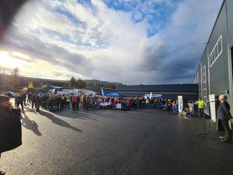 400: 400 personer var til stede da ordfører Erik Sletten foretok den offifielle åpningen av Tepas' nye produksjonshall i forrige uke.
