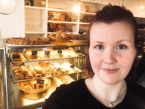 FORNØYD: Bethina Koppen, daglig leder av Nøtterø bakeri avdeling Borgheim har all grunn til å være fornøyd.