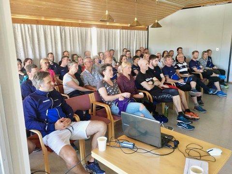 En tredel av klubbens vel 180 medlemmer møtte opp for å høre Kaggestads tips.