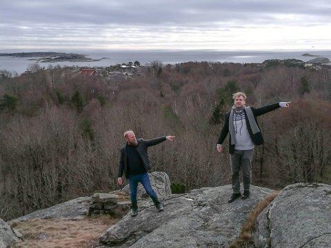 KUNSTNERISKE INNGREP: Vebjørn og Eimund Sand er to av dem som skal være med på å utforme minneparken over de falne under 2. verdenskrig på Torås fort.