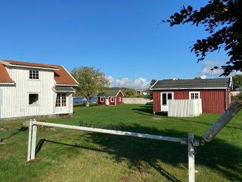 Randineborg-eiendommen var tidligere feriested for Scanrope-ansatte. I dag er eiendommen åpen for allmennheten. En del av den skal selges, og dette er kanskje det mest omstridte eiendomssalget på kommunens liste. Det kan ligge an til salg i 2021.