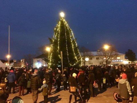Denne julekosen går Teies innbyggere glipp av i år, men tre og lys skal det bli.
