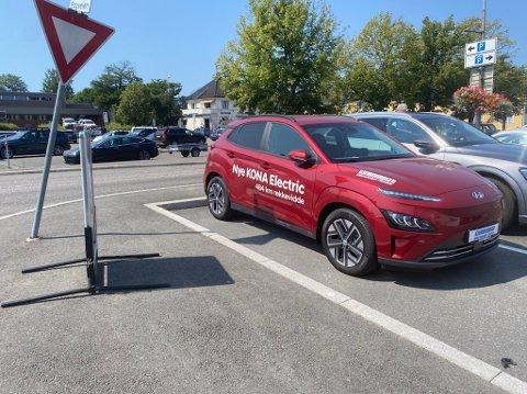 Denne bilen kan for tiden ses på Teie Torv grunnet god eksponering for Gjermundsen Auto.