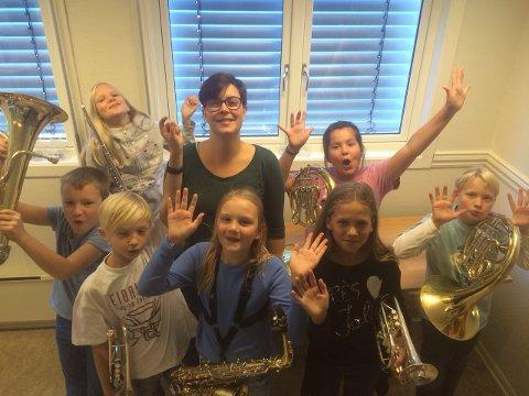 Juniorkorpset med dirigent Sarah Nordal Strand.