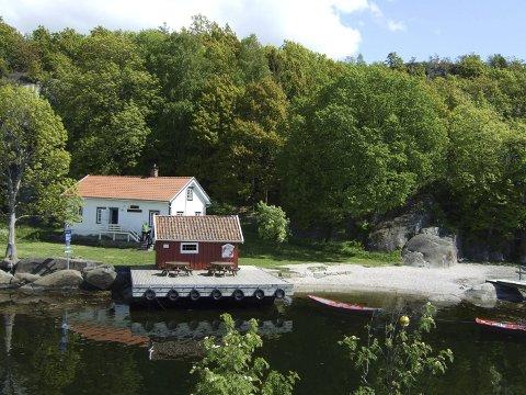 Kystledhytta i Sildevika er sprengt i sommer, og til sammen er det registrert 306 gjestedøgn på de to kystledhyttene i kommunen.