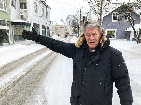 FYLLER STORGATA: Lars Iver Larsen, Porsgrunn Min By, er strålende fornøyd med at Storgata fylles opp av butikker og næringsliv.