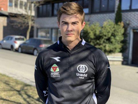 Urædd-bauta: Mathias Pedersen er en viktig brikke i Urædd-laget som vil kjempe om opprykk fra 4. divisjon denne sesongen. Midtstopperen er hissigproppen i et ellers ganske så snilt lag med mange unggutter.