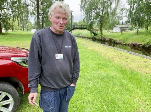 Mækk lei: Andre Kristiansen, leder i båtforeningen i Sundjordetkanalen, er møkk lei alle innbruddene og hærverket i båtene som ligger i kanalen. Selv vil han legge båten i Brevikstrand i Bamble denne sommeren, så lenge det ikke er montert overvåkningskameraer langs kanalen.