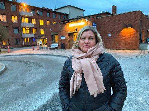 Sjølie Pedersen går løs på legevaktsaken.