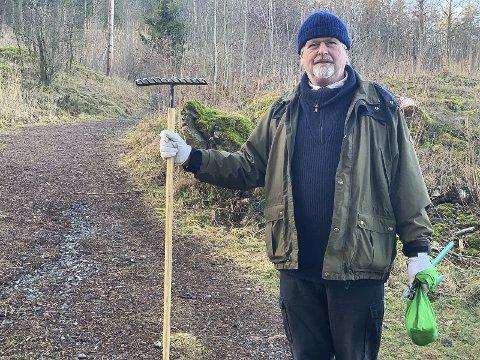 FORSKJELLSBEHANDLING: Svein-Tore Slåtta er en av de frivillige som holder Porsløypa i god stand. Han har sendt e-post til ordføreren der han peker på at kommunen bruker veldig mye mer penger og ressurser på Uræddløypa enn på Porsløypa, og at det er på tide å tilgodese Porsløypa med mer midler også.