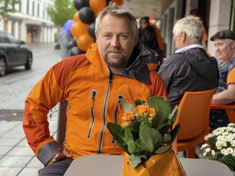 GÅR IKKE OPP: Kjetil Haugersveen og Eidanger IL får ikke kabalen til å gå opp når de mister muligheten til å ha aktiviteter i gymsalen på Tveten ungdomsskole. Skolen blir revet i januar, og det blir ingen ny gymsal i den nye skolen.