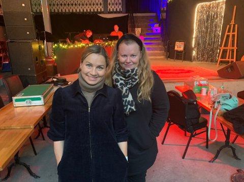 Jannicke Irwin Abrahamsen og Lena Barth Aarstad er i gang med prøvene på Kafe K, og saster på at det blir premiere fredag 27. november.