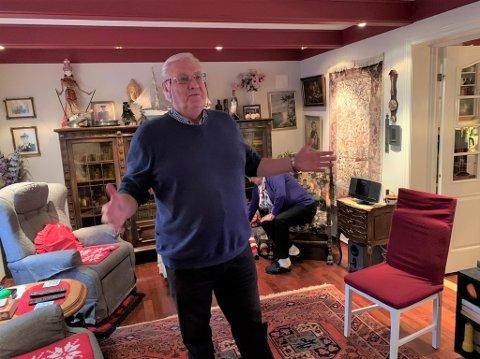 Knut Bjerke fikk besøk av pris- og stipendkomiteen i Bamble torsdag formiddag. De kom for å overrekke ham den høythengende kulturprisen.