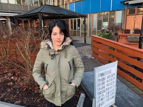 Anne Øverland er daglig leder på Karjolen Pub. Hun forklarer at de ikke kan ta sjansen på å gjenåpne nå. Cafe Osebro har gitt lignende beskjed til PD.