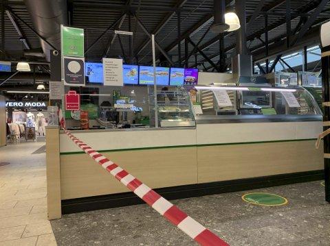 FORTSATT STENGT: Subway Down Town er fortsatt stengt etter at franchisetaker Klaus Inge Torp fikk overdratt restaurantene i Porsgrunn og Skien til nye driverselskaper. Han sier de vil være klare til å åpne så fort som mulig når de får grønt lys av kommunen.
