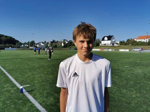 TRENINGSGLAD: Tobias Kleppe (14) er glad i å løpe og være aktiv. Sommertreningene i Langesund passer han perfekt.