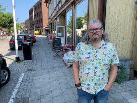 Skal løfte saken: Fredrik Botnen Nordahl i Rødt sier han skal sørge for at saken om leie av offentlig areal kommer opp for bystyret eller UMB. –  I og med at denne saken har engasjert såpass mange, burde vi ta en diskusjon på dette. Jeg var ute på onsdag, og da var dette et brennheit emne